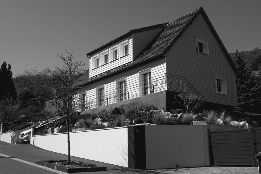 """Joli maison """"cottage"""" sur les hauteurs de Clermont-Ferrand en France en 2020."""