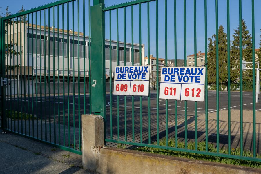 ah ces fameuses élections municipales en 2020, avec 2 ministres postulants, incroyable, non ? Clermont-Ferrand en France en 2020 - Covid-19