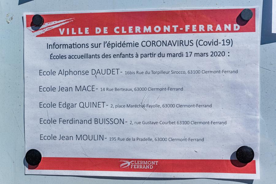Épidémie Coronavirus dans les écoles, avec accueils de garde dans certaines écoles de Clermont-Ferrand. En France en 2020. Covid-19