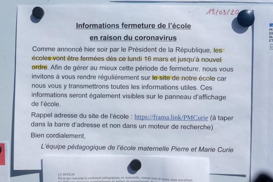 Fermeture des écoles en France, information du 13 mars 2020. A Clermont-Ferrand. Covid-19