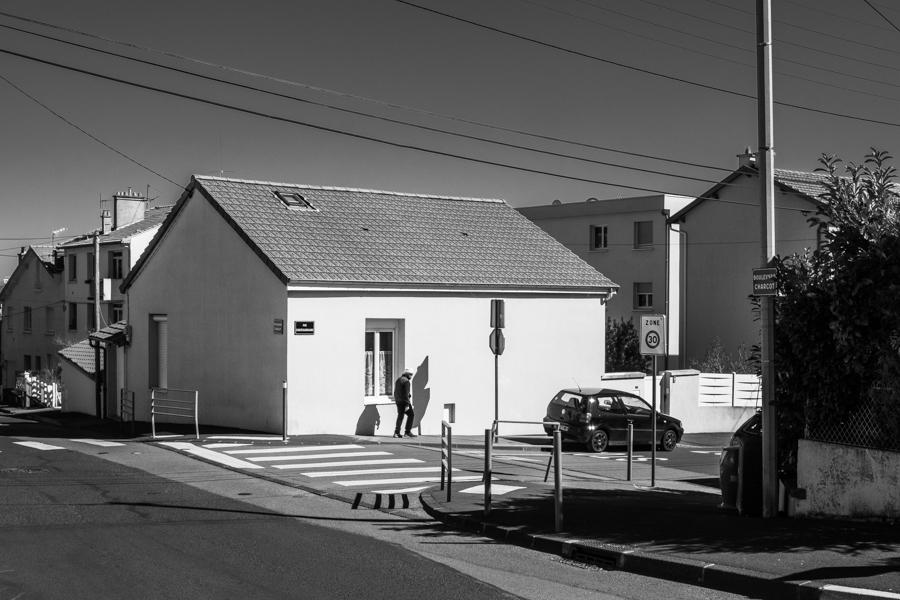 La solitude des vieux, stress oxydatif, absence de repères, cassure des liens sociaux. A Clermont-Ferrand en France en 2020. Covid-19