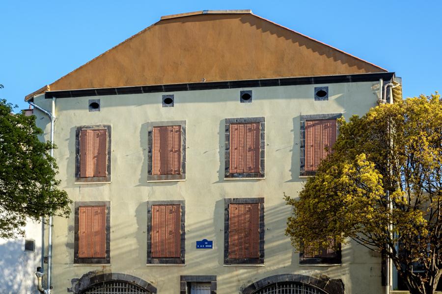 Une nouvelle prison covidienne, pour Edmond Dantesque ? A Clermont-Ferrand en France en 2020. Covid-19
