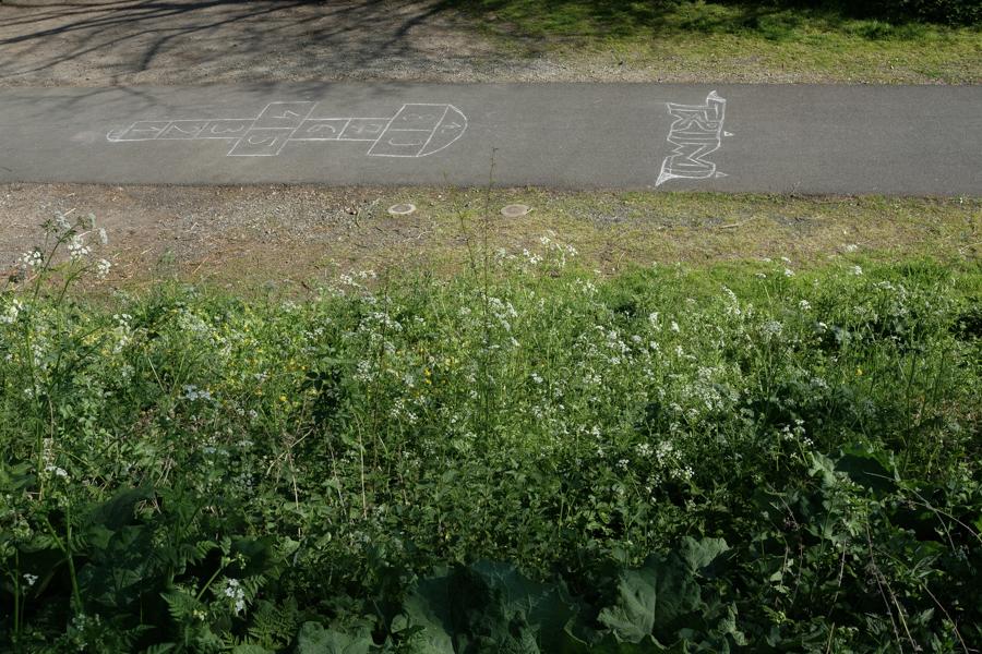 Le jeu de la marelle, sans enfant, à Clermont-Ferrand en France en 2020. Covid-19.