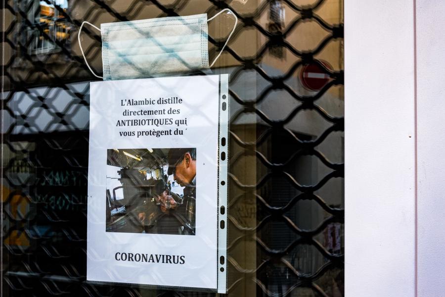 Le premier antibiotique contre le coronavirus a été fabriqué à Clermont-Ferrand, étonnant non ? France 2020. Covid-19