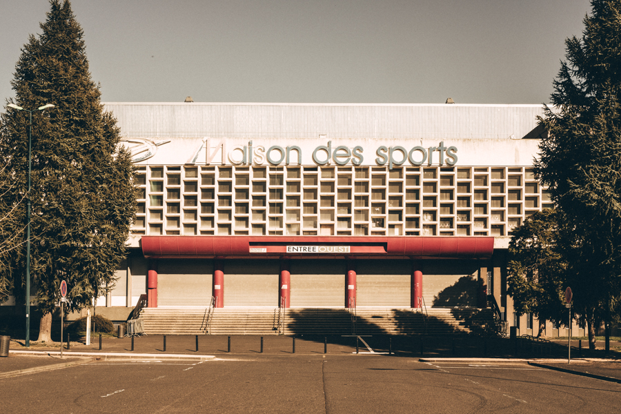 La maison des sports sans sports à Clermont-Ferrand en 2020, vive la tranquillité. A Clermont-Ferrand en France en 2020 - Covid-19